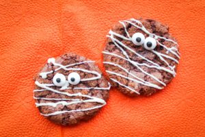 Halloween treats: Mummy Cookies