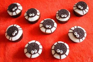 Halloween treats: Spider Cupcakrs