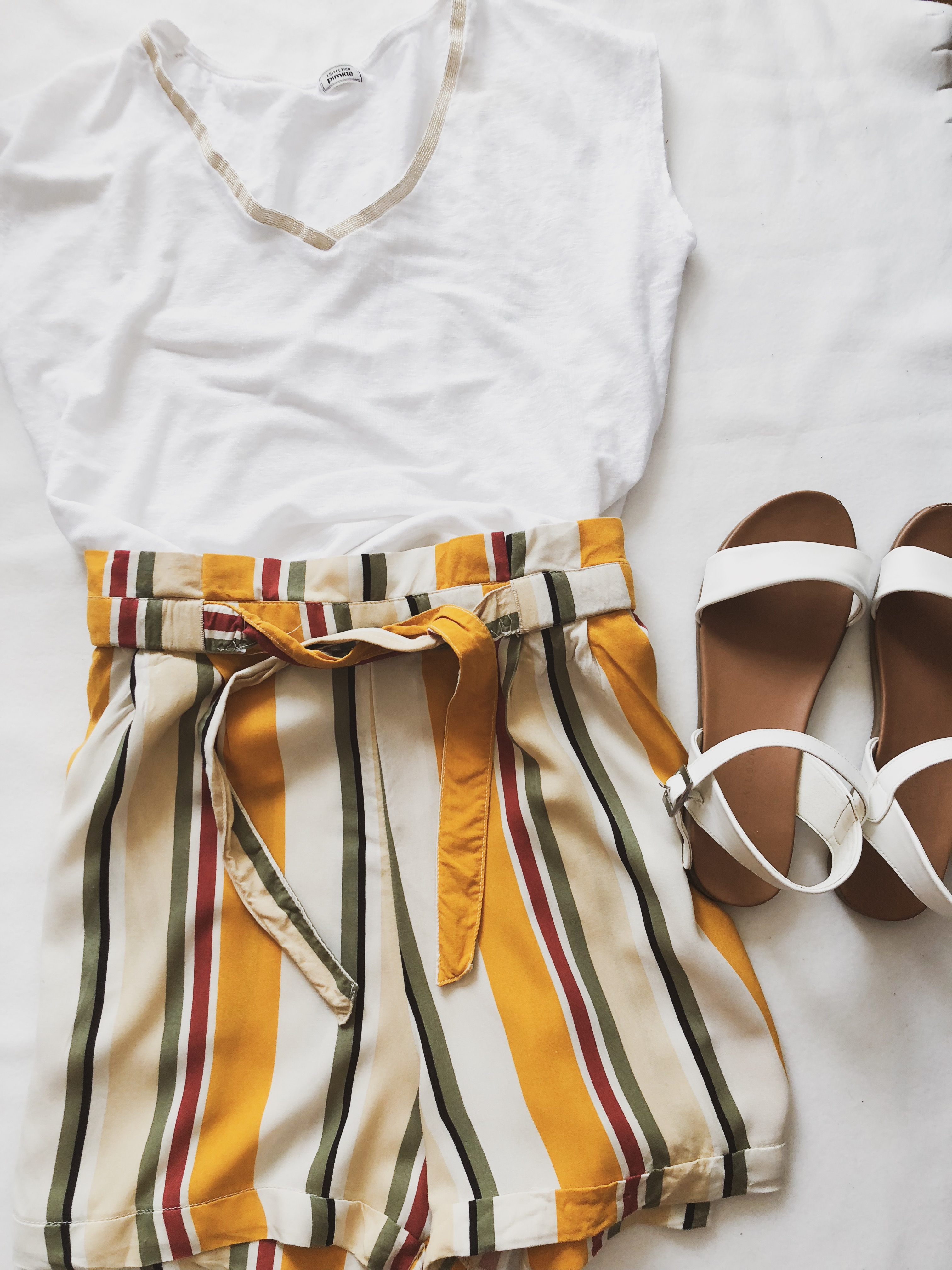 What I got in sales: White top and striped short Pimkie, White sandals Newlook